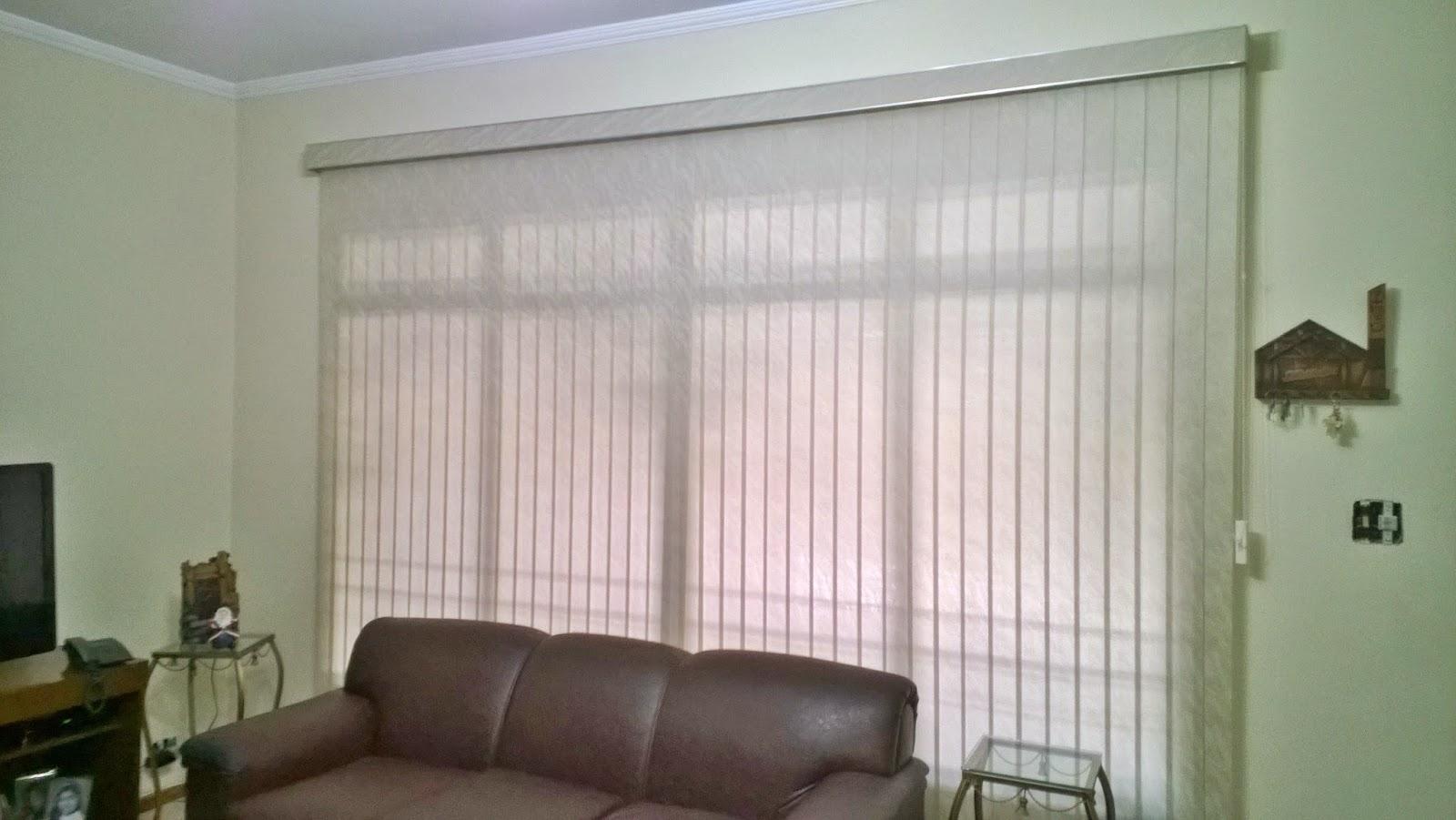 Persiana Vertical Translucida com Sanefa